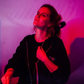 Muzyka klubowa: We Are Radar: Violet & Good News