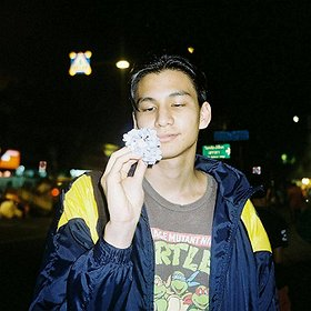 Koncerty: Phum Viphurit